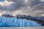 South America, Chile, Patagonia, Torres del Paine National Park, Lago Grey, icebergs