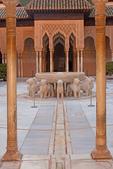 Court of the Lions, Patio de Los Leones, Palacio Nazaries, The Alhambra, Granada, Andalucia, Spain