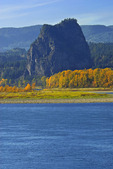 Beacon Rock and Columbia River