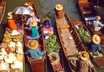 Floating Market at Damnern Saduak