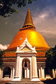 Bangkok's Pra Pathom Chedi, world's tallest Buddhist monument