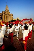 Shanghai Bund morning exercises women team with fans