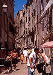 Bonafacio street kiss