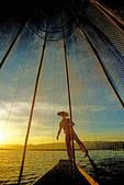 Lake Inle Intha leg rower through fishing net