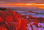 Sunset Point hoodoos at sunrise on winter morning