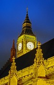 London's Big Ben behind Parliament at night