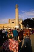 Samarkand's Registan Square market, Uzbek women