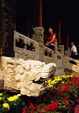 Shenyang Imperial Palace, stone lion on front of Chong Zheng Palace