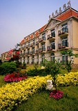 Beidaihe tourist hotel, Golden Bay Resort, facing the Bohai Sea