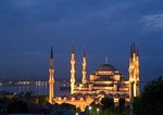 Blue Mosque (Sultan Ahmet Cami) at night