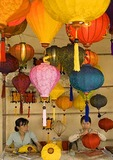 Women making lanterns at Hoi An Handicraft Workshop