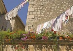 Trogir apartments with laundry and flowers