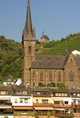 Lorchhausen village church and small chapel in vineyard of Rheingau region