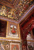 Mandawa haveli (mansion), interior frescoes of faded glory of the Raj, Shekhawati region of Rajasthan