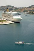 P&O Cruise Ship Aurora in Dubrovnik's Port of Gruz