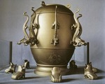 Seismograph invented by Zhang Heng in A.D.132