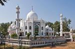 Sheikh Masjid (King Cobra Mosque) of Karunagappally, Kollam, Kerala (known as the Taj Mahal of Kerala), designed by architect G. Gopalakrishnan.