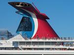 Carnival Splendor cruise ship passengers leaving Port of Miami.