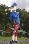 Pied Piper Statue, Lincoln Highway, Bedford County, Pennsylvania
