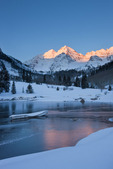 Maroon Bells and Maroon Lake at sunrise, Maroon Bells-Snowmass Wilderness, Colorado