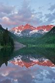 The Maroon Bells reflected in Maroon Lake, Maroon Bells-Snowmass Wilderness, Colorado