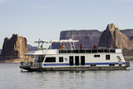 Houseboating in Padre Bay, Lake Powell, Utah