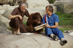 Jack Hanna, Dave Thompson and Dee Dee finger painting
