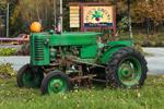 Antique John Deere Tractor at Pete's Greens Farm Market, Waterbury Center, Waterbury, VT