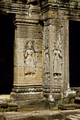 DEVATAS (FEMALE DIVINITIES), ADORNING A WALL AT ANGKOR THOM, CAMBODIA