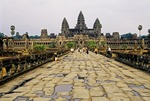 ANGKOR WAT, INNER CAUSEWAY FROM THE WEST ENTRANCE, CAMBODIA
