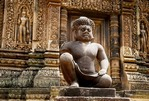 STAIR GUARDIAN, SOUTH TOWER, BANTEAY SREI, CAMBODIA
