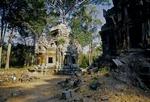 A GOPURA & CENTRAL SANCTUARY RUINS, CHAU SAY TEVODA, ANGKOR, CAMBODIA
