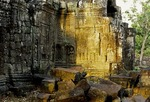 TEMPLE RUINS WITH DEVATAS, TA SOM, ANGKOR, CAMBODIA