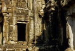 DEVATAS, CENTRAL SANCTUARY, THOMMANON, ANGKOR, CAMBODIA