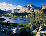 BRIDGER WILDERNESS, WYOMING. USA. Island Lake and Fremont Peak in the Wind River Range. Bridger-Teton National Forest.