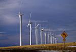 OREGON. USA. Wind farm near Condon. Wind turbines owned by Bonneville Power Admin. 197 foot towers; 155 foot diameter rotors. 83 turbines produce 50 MW peak