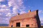 The Historic Porter Barn (1908) near Flathead Lake