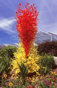 """""""Citron Green and Red Tower"""" (by Dale Chihuly, 1998)"""