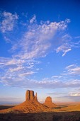 Clouds over the Mitten and Merrick Buttes, Monument Valley Tribal Park, Arizona / Utah, AGPix_0311