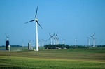 Giant windmills generate electic power on windy prairies near Lake Benton, Minnesota, AGPix_0836