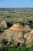 Badlands in Painted Canyon area of Theodore Roosevelt National Park, North Dakota, AGPix_1290