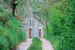 Road to small rural chapel near village of Porchiano near Todi, Umbria, Italy, IT_00648, AGPix_1582