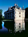Reflection of 16C Chateau d'Azay-le-Rideau in the Indre River.
