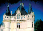 Reflection of the 16C Chateau d'Azay-le-Rideau in the Indre River.