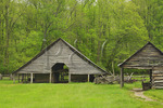 Enloe Barn, Oconaluftee Pioneer Farmstead, Great Smoky Mountains National Park, North Carolina, USA
