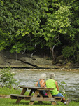 Holston River, Old Alvarado Station, Virginia Creeper Trail, Damascus, Virginia, USA