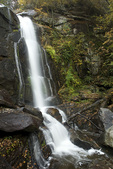 NC00319-00...NORTH CAROLINA - High Shoals Waterfall in South Mountain State Park.