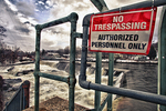 No tresspassing sign warns of danger