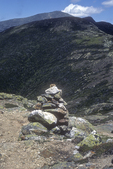 A cairn marks the trail from Mt Eisenhower to Mt Washington