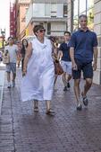 Couple walking along Mass Ave in Cambridge, MA